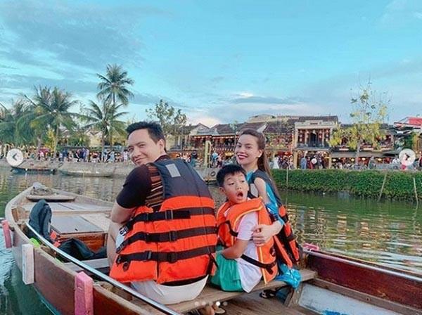 Loạt ảnh bikini nóng bỏng của Hồ Ngọc Hà khi đi du lịch cùng Kim Lý-2