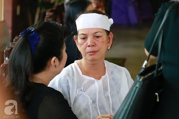 Vợ cũ òa khóc nức nở, chia sẻ về giây phút cuối cùng trước khi ra đi của nghệ sĩ Lê Bình-2