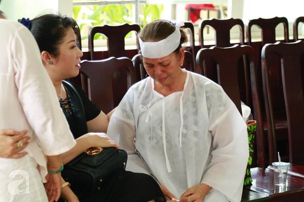 Vợ cũ òa khóc nức nở, chia sẻ về giây phút cuối cùng trước khi ra đi của nghệ sĩ Lê Bình-6
