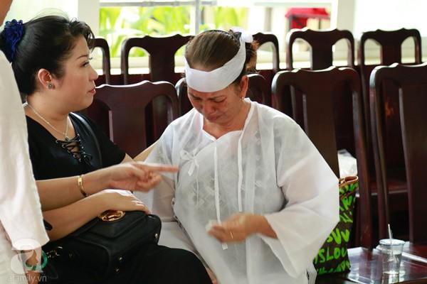 Vợ cũ òa khóc nức nở, chia sẻ về giây phút cuối cùng trước khi ra đi của nghệ sĩ Lê Bình-7