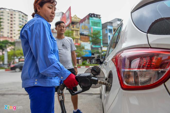 Giá xăng liên tiếp tăng mạnh, 45 ngày lên thêm hơn 3.500 đồng-1