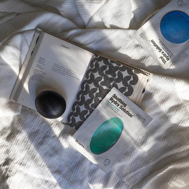 5 loại mặt nạ Hàn Quốc dưỡng da căng bóng mướt mát, quá tuyệt để chiều chuộng làn da trong ngày hè nóng nực-3