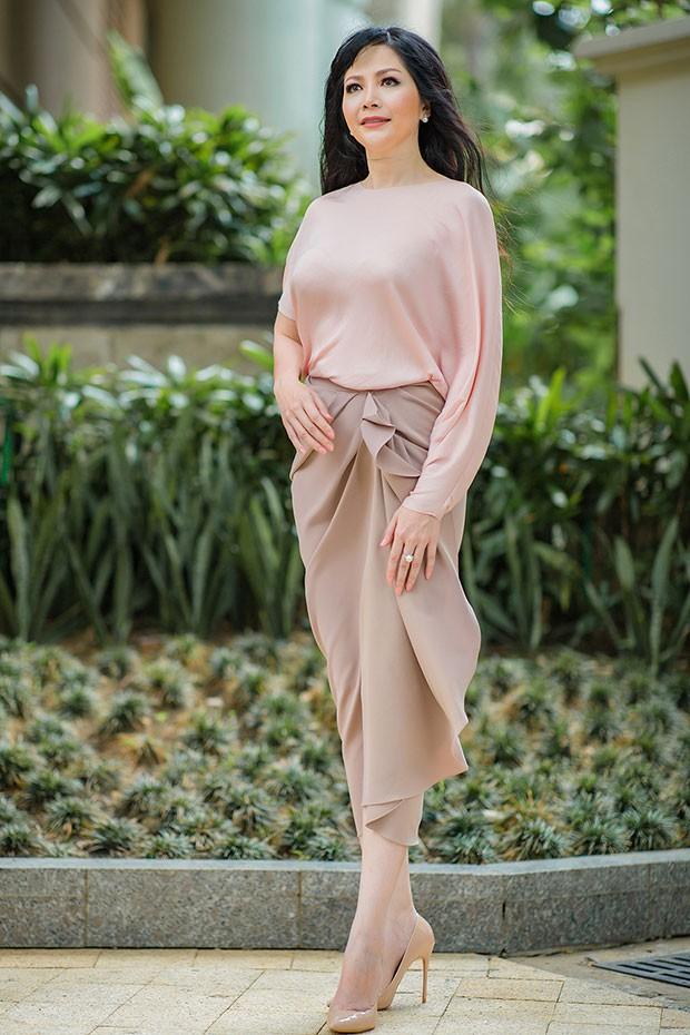 Hoa hậu Thiên Nga: Tiểu thư cành vàng 2 lần đăng quang Hoa hậu, lấy chồng giáo sư đại học Mỹ nhưng phải chịu nhiều bất hạnh nghiệt ngã-6