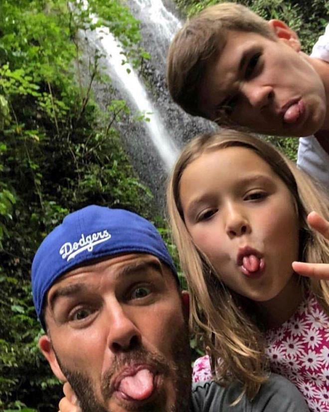 David Beckham đón sinh nhật ngọt ngào bên vợ và bốn con-5