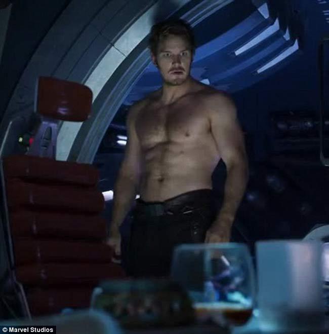 3 body hoàn mỹ nhất Avengers: Thần Sấm Thor từ gầy như quỷ đói lột xác cường tráng-15