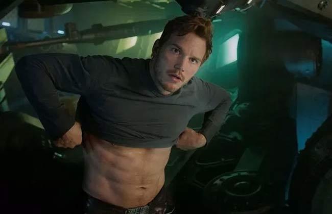 3 body hoàn mỹ nhất Avengers: Thần Sấm Thor từ gầy như quỷ đói lột xác cường tráng-16