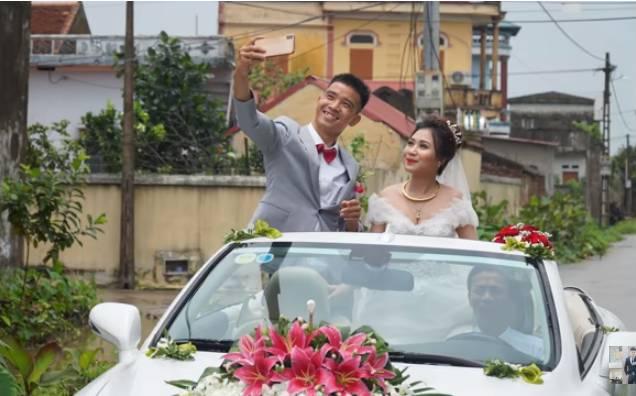 Youtuber Phương Hữu Dưỡng bất ngờ theo vợ bỏ cuộc chơi, Lexus đón dâu, mời cả Chu Bin đến dự, nhưng danh tính cô dâu mới là điều bất ngờ-15