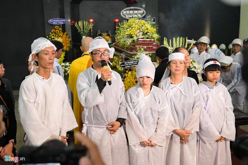 Nghệ sĩ Việt bật khóc khi nghe điếu văn trước giờ đưa tiễn Lê Bình-10