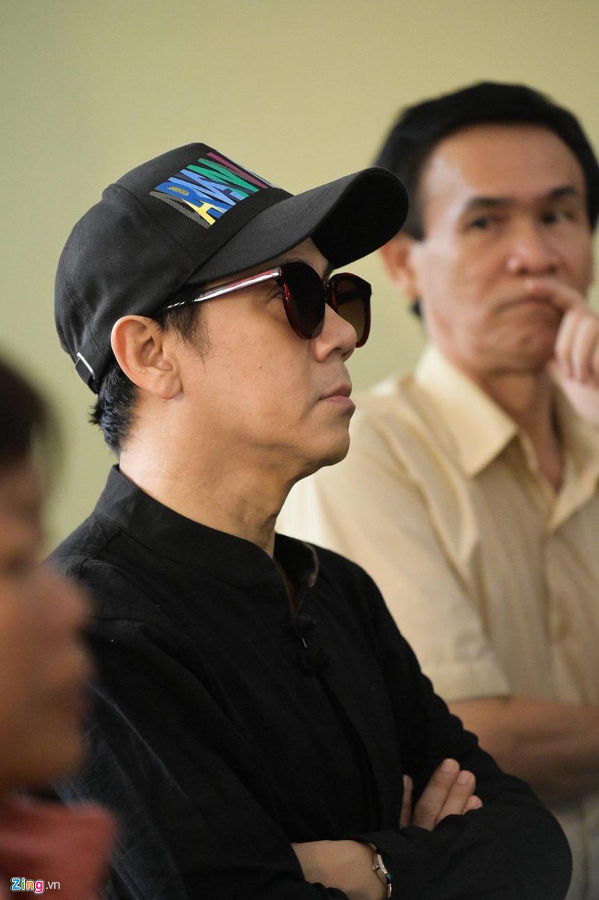 Nghệ sĩ Việt bật khóc khi nghe điếu văn trước giờ đưa tiễn Lê Bình-7