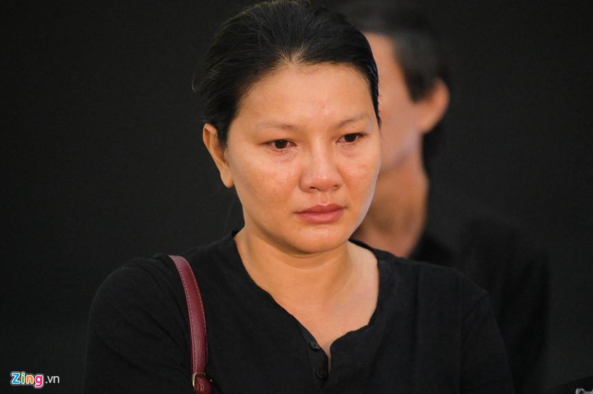 Nghệ sĩ Việt bật khóc khi nghe điếu văn trước giờ đưa tiễn Lê Bình-5
