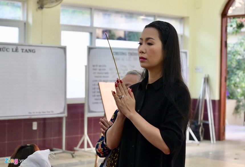 Nghệ sĩ Việt bật khóc khi nghe điếu văn trước giờ đưa tiễn Lê Bình-2