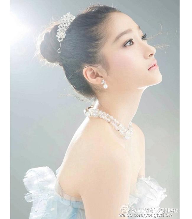 Các cô gái dân tộc thiểu số Trung Quốc đẹp tới mức khiến hoa nhường nguyệt thẹn-8