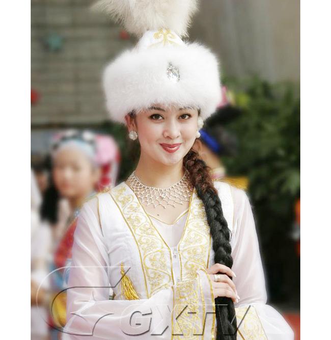 Các cô gái dân tộc thiểu số Trung Quốc đẹp tới mức khiến hoa nhường nguyệt thẹn-15