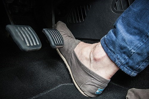 Bài học xương máu từ những pha đạp nhầm chân ga gây tai nạn kinh hoàng-5