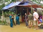 Vụ đâm 6 học trò ở Thanh Hóa: Xóm nghèo đẫm nước mắt tiễn cậu bé xấu số-8