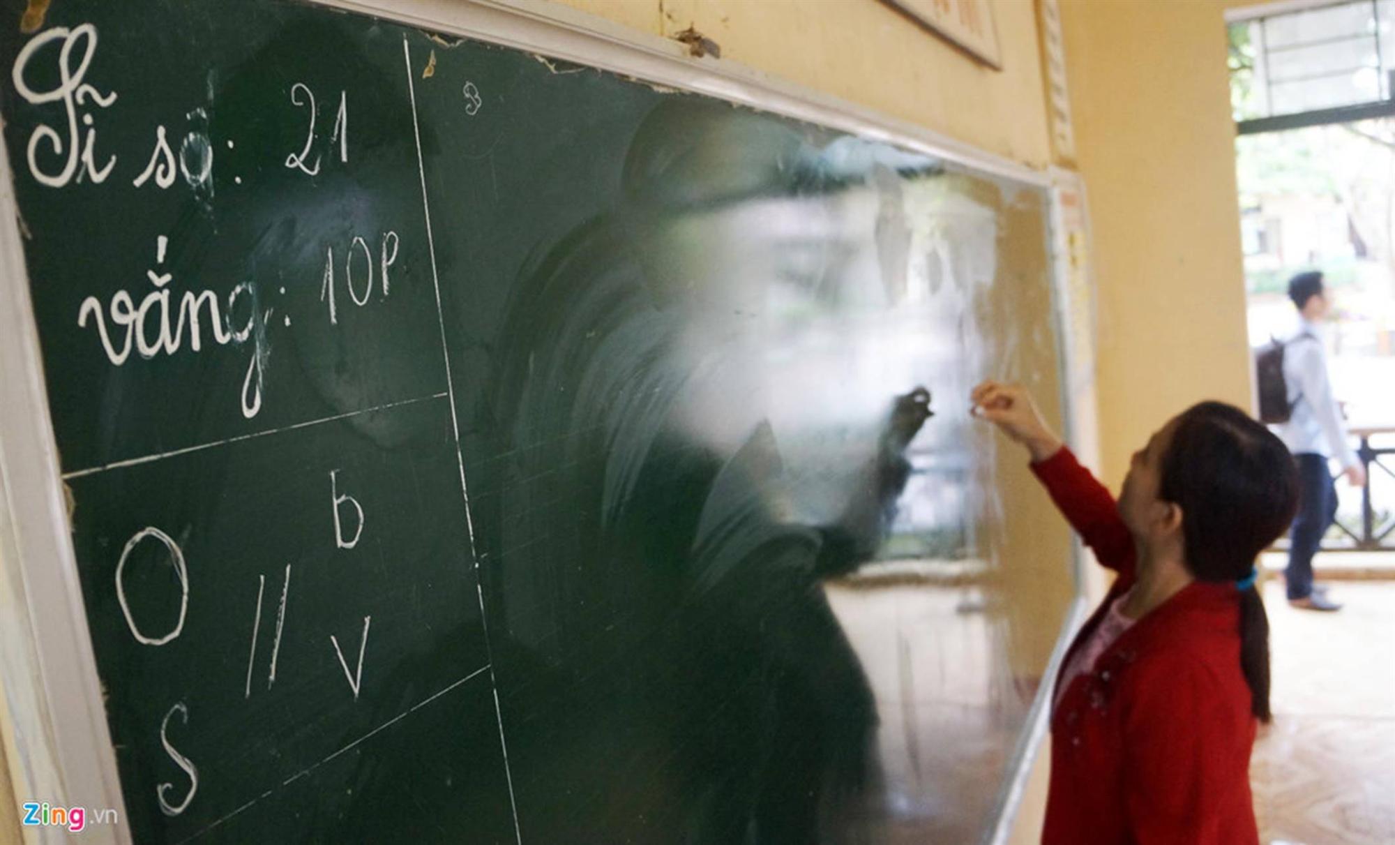 Trường vắng học sinh sau vụ kẻ cầm dao xông vào đâm 6 cô trò-7