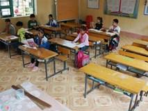 Trường vắng học sinh sau vụ kẻ cầm dao xông vào đâm 6 cô trò