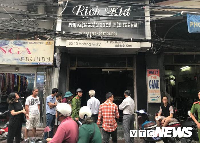 Danh tính người đàn ông ngang nhiên châm lửa đốt cửa hàng của vợ cũ trên phố Hải Phòng-2