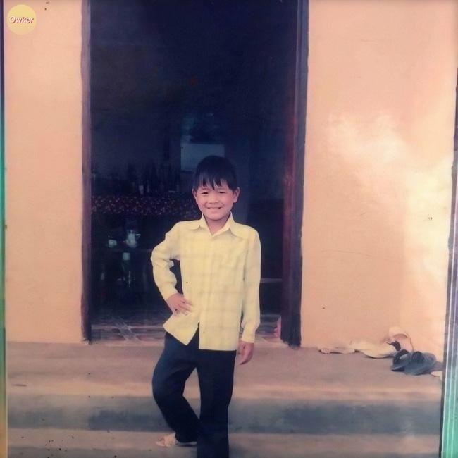 Cười đổ ghế với loạt ảnh thơ ấu mới hé lộ của dàn cầu thủ Việt: Đức Huy chất từ bé, bất ngờ nhất là Lâm Tây-14