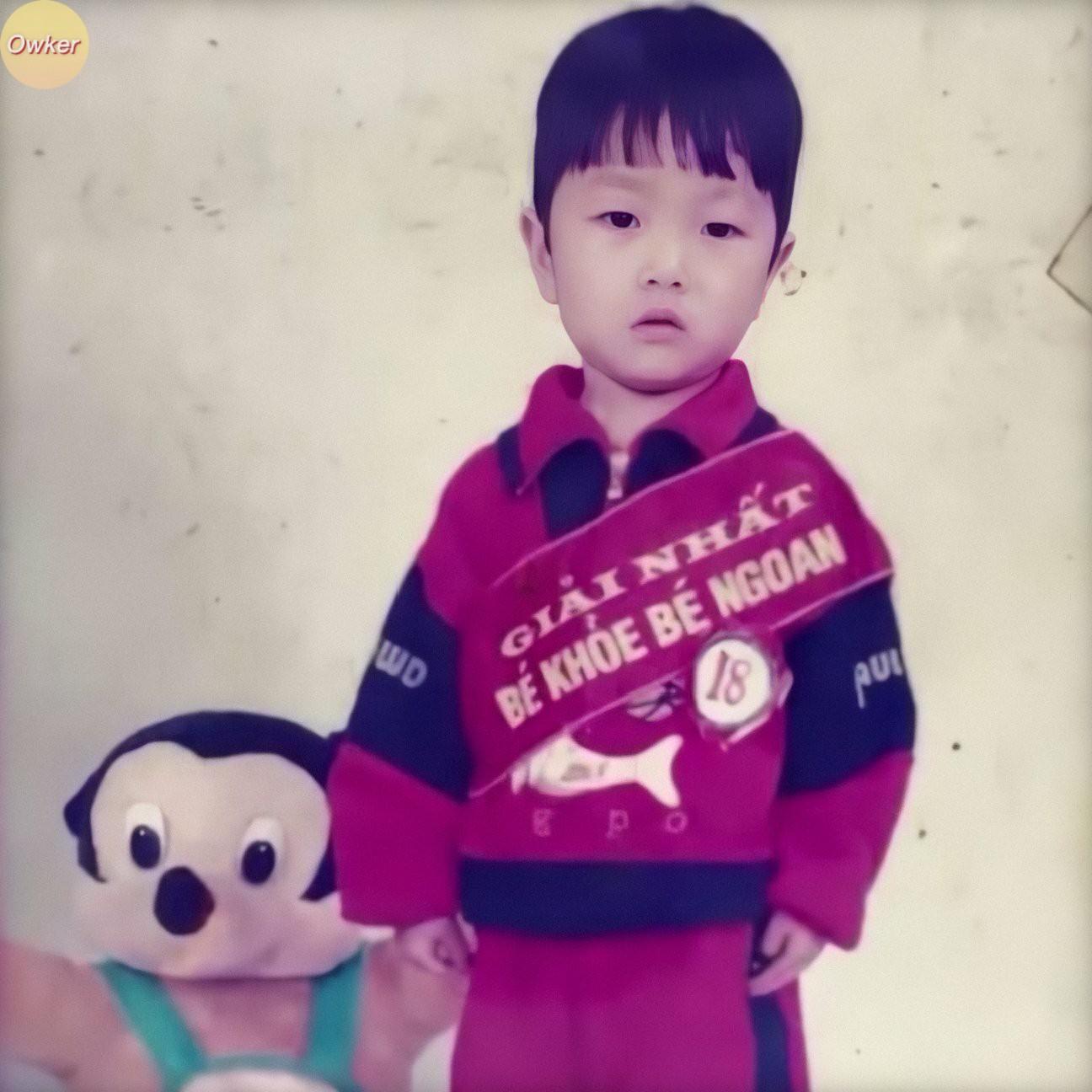 Cười đổ ghế với loạt ảnh thơ ấu mới hé lộ của dàn cầu thủ Việt: Đức Huy chất từ bé, bất ngờ nhất là Lâm Tây-9