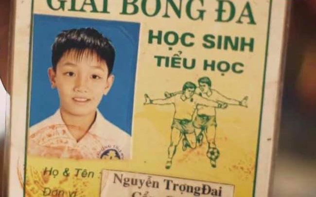 Cười đổ ghế với loạt ảnh thơ ấu mới hé lộ của dàn cầu thủ Việt: Đức Huy chất từ bé, bất ngờ nhất là Lâm Tây-13