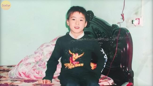 Cười đổ ghế với loạt ảnh thơ ấu mới hé lộ của dàn cầu thủ Việt: Đức Huy chất từ bé, bất ngờ nhất là Lâm Tây-7