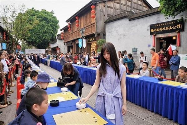Mỹ nữ kiện tướng cờ vây gây sốt tại Trung Quốc-1