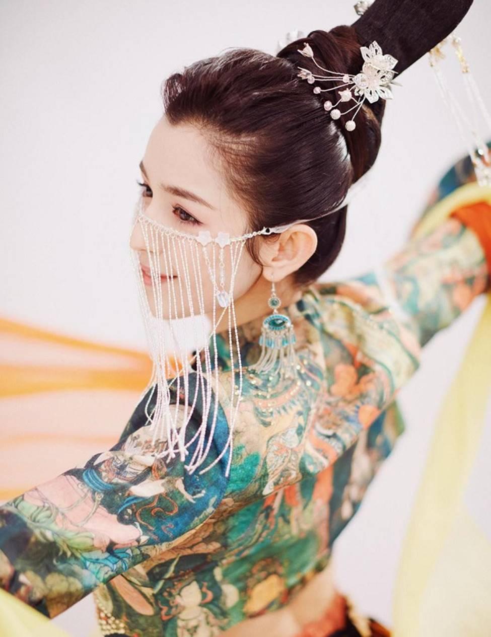 Các cô gái dân tộc thiểu số Trung Quốc đẹp tới mức khiến hoa nhường nguyệt thẹn-7