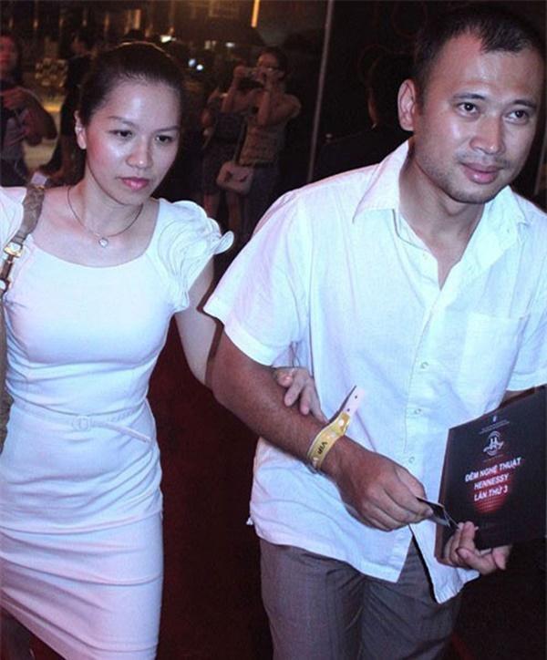 Tiết lộ danh tính nửa kia và chuyện hôn nhân của Nhà báo Lại Văn Sâm, Long Vũ cùng loạt BTV nam nổi tiếng phía Bắc-8