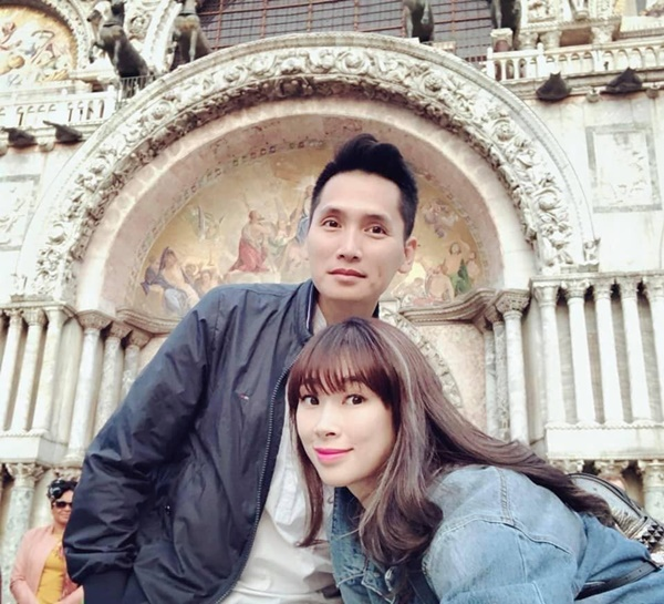Tiết lộ danh tính nửa kia và chuyện hôn nhân của Nhà báo Lại Văn Sâm, Long Vũ cùng loạt BTV nam nổi tiếng phía Bắc-11