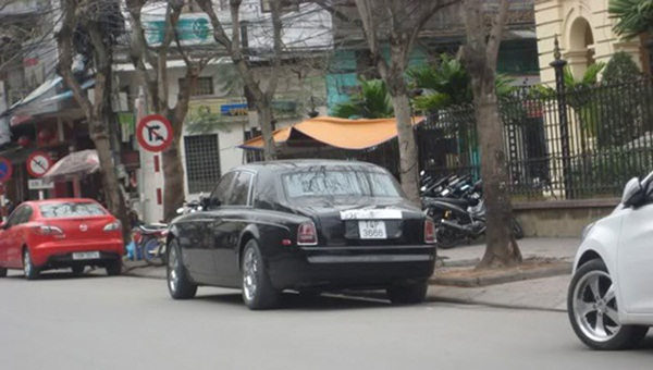 Choáng ngợp dàn siêu xe biển đẹp Quảng Ninh-8