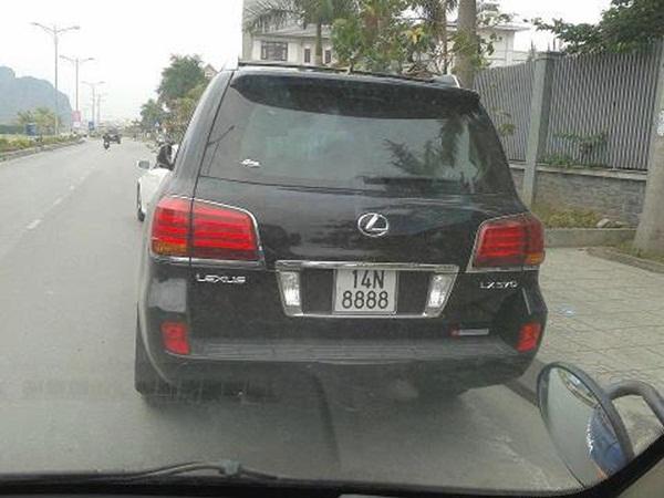 Choáng ngợp dàn siêu xe biển đẹp Quảng Ninh-17