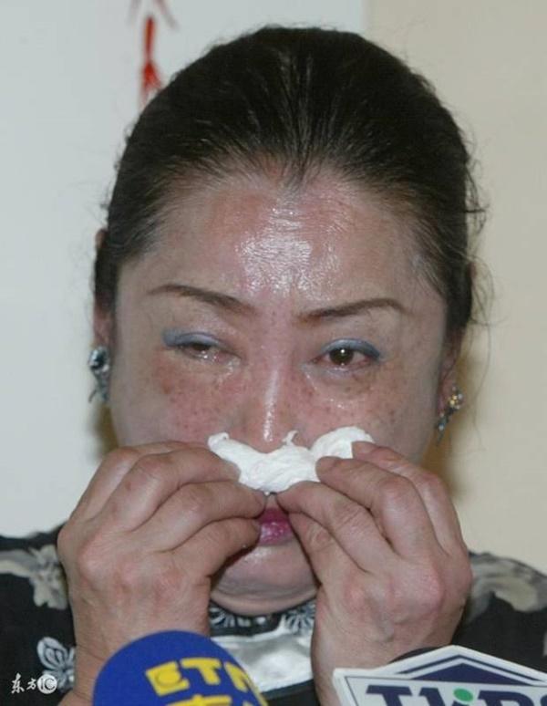 Đời buồn của công chúa phim Bao Thanh Thiên: anh trai đánh đập thậm tệ, mẹ đẻ tố làm gái kiếm tiền hút ma túy, mắc bệnh ung thư quái ác-9