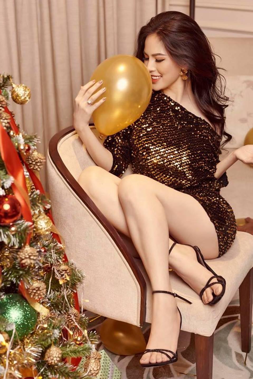 Cận cảnh vẻ nóng bỏng khó cưỡng của hot girl mì gõ Phi Huyền Trang-1