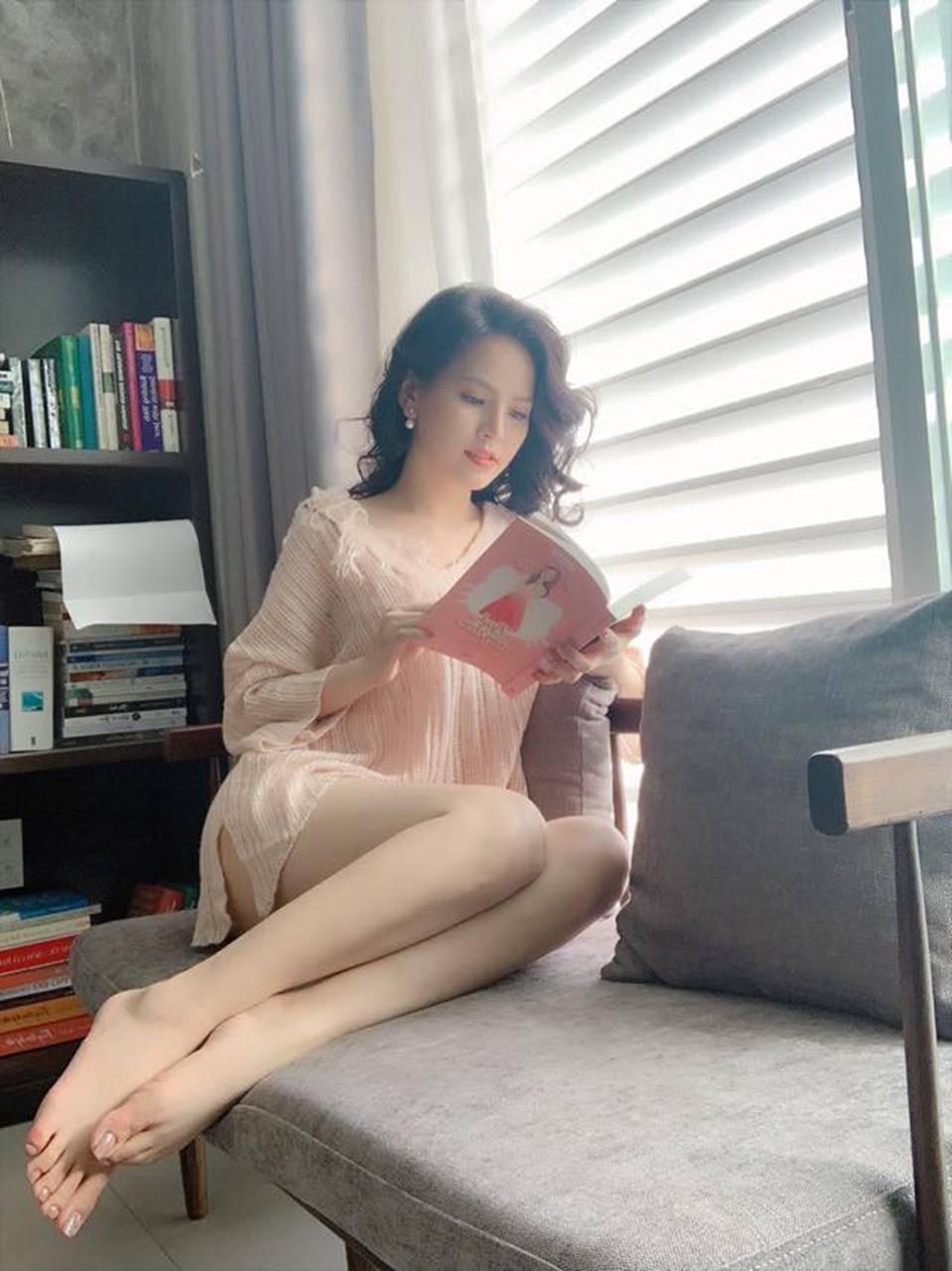 Cận cảnh vẻ nóng bỏng khó cưỡng của hot girl mì gõ Phi Huyền Trang-2