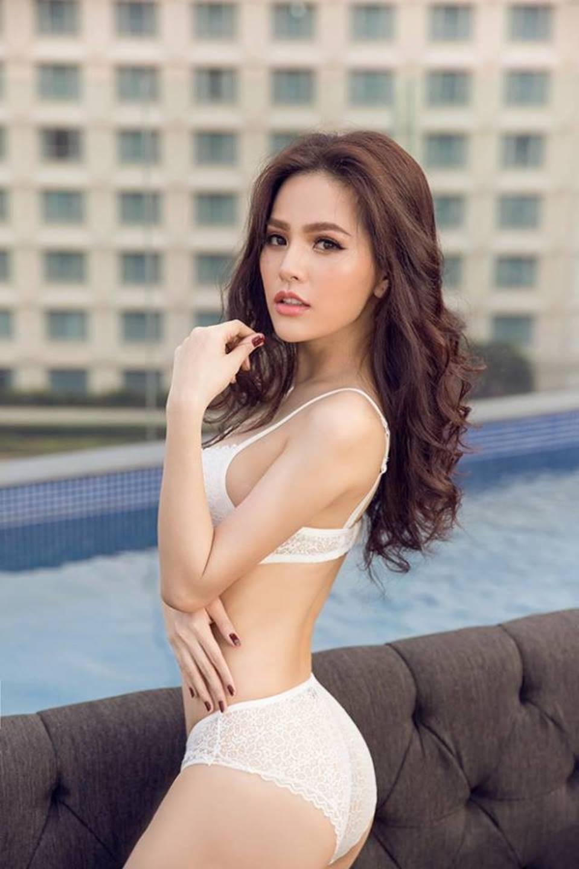 Cận cảnh vẻ nóng bỏng khó cưỡng của hot girl mì gõ Phi Huyền Trang-9