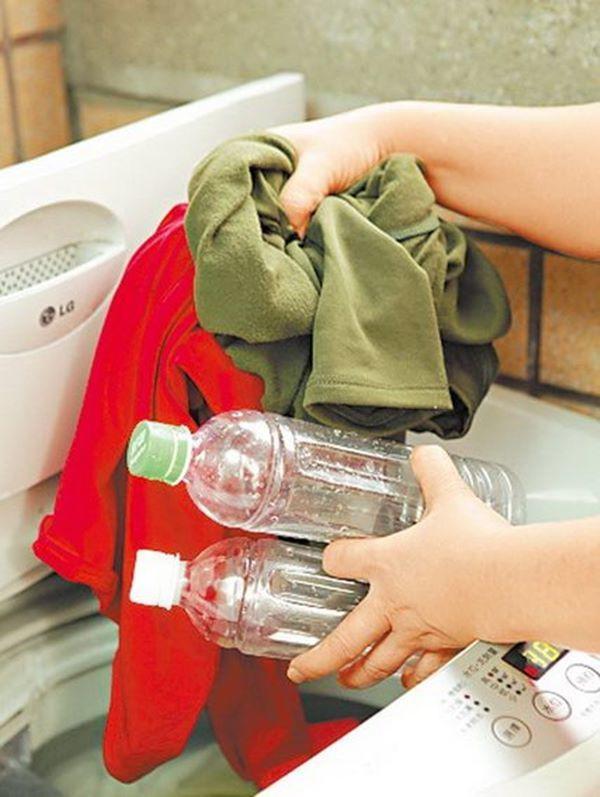 Nhân viên khách sạn tiết lộ 7 mẹo giúp quần áo giặt máy luôn sạch, thơm khó cưỡng-3