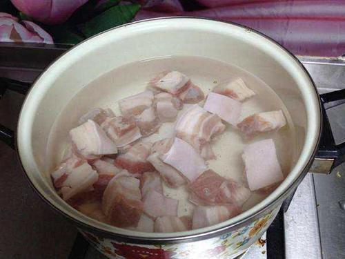 Kho thịt xong, tắt bếp nhưng đừng cho thịt ra ngay, làm thêm bước này đảm bảo ngon không ngấy-2
