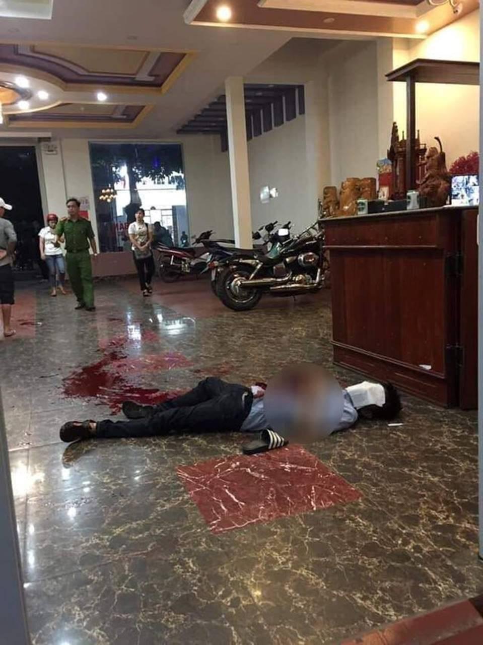 Cán bộ huyện dùng dao bầu đâm đồng nghiệp tử vong tại quán karaoke-1
