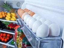 Chị em nào cũng để trứng cánh tủ lạnhnhưng không hề hay biết hành động này cực nguy hiểm