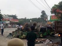 Xe quân sự lật ở Hà Nội, 30 chiến sĩ bị thương