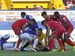 Văn Hậu bị chê sau màn ăn mừng khiêu khích thủ môn Bình Dương-3
