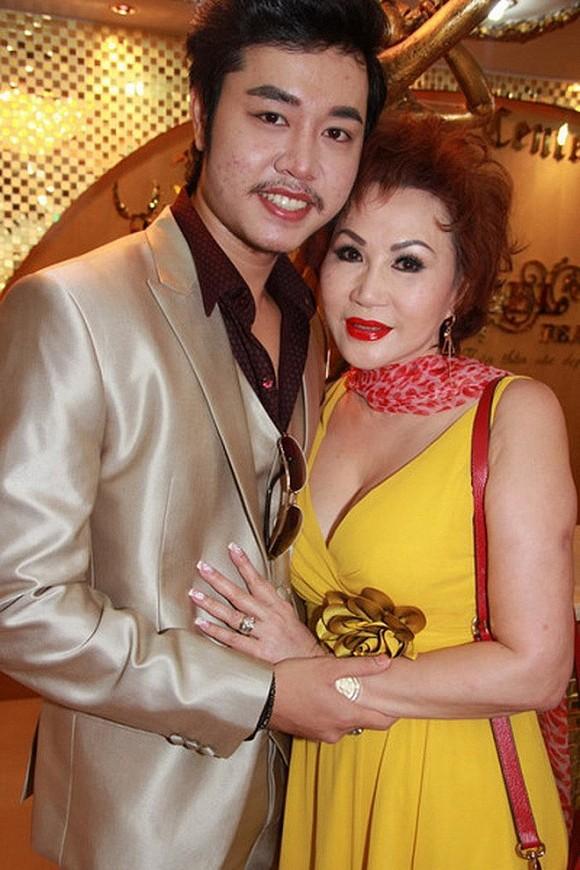 Đăng ảnh mới, Vũ Hoàng Việt được khen có bạn gái gợi cảm, da trắng như Ngọc Trinh-7