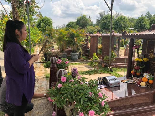 NSND Hồng Vân tiết lộ di nguyện cuối cùng của nghệ sĩ Anh Vũ sẽ được gia đình hoàn thành trước 49 ngày mất-1