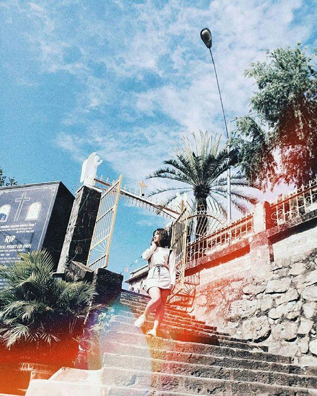 Instagram giới trẻ tràn ngập những bức ảnh chụp với nhà thờ Núi, ở ngay Nha Trang mà đẹp tuyệt chẳng kém trời Tây-2