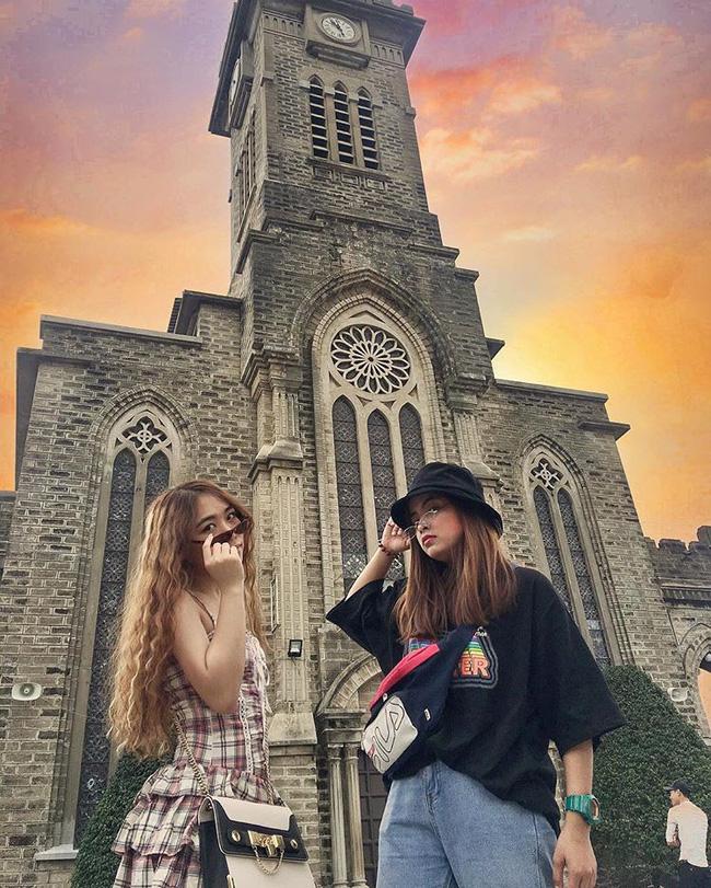 Instagram giới trẻ tràn ngập những bức ảnh chụp với nhà thờ Núi, ở ngay Nha Trang mà đẹp tuyệt chẳng kém trời Tây-5
