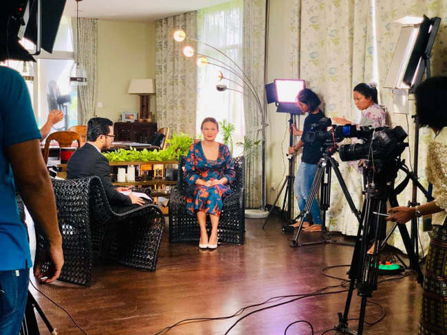 Vợ mới của chồng cũ Hồng Nhung lộ vòng bụng khác thường, tiết lộ điểm không ai ngờ ở ông xã-2