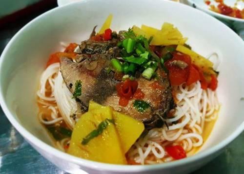 Cách nấu bún cá ngừ ngọt tự nhiên đúng chuẩn đặc sản Khánh Hòa-1