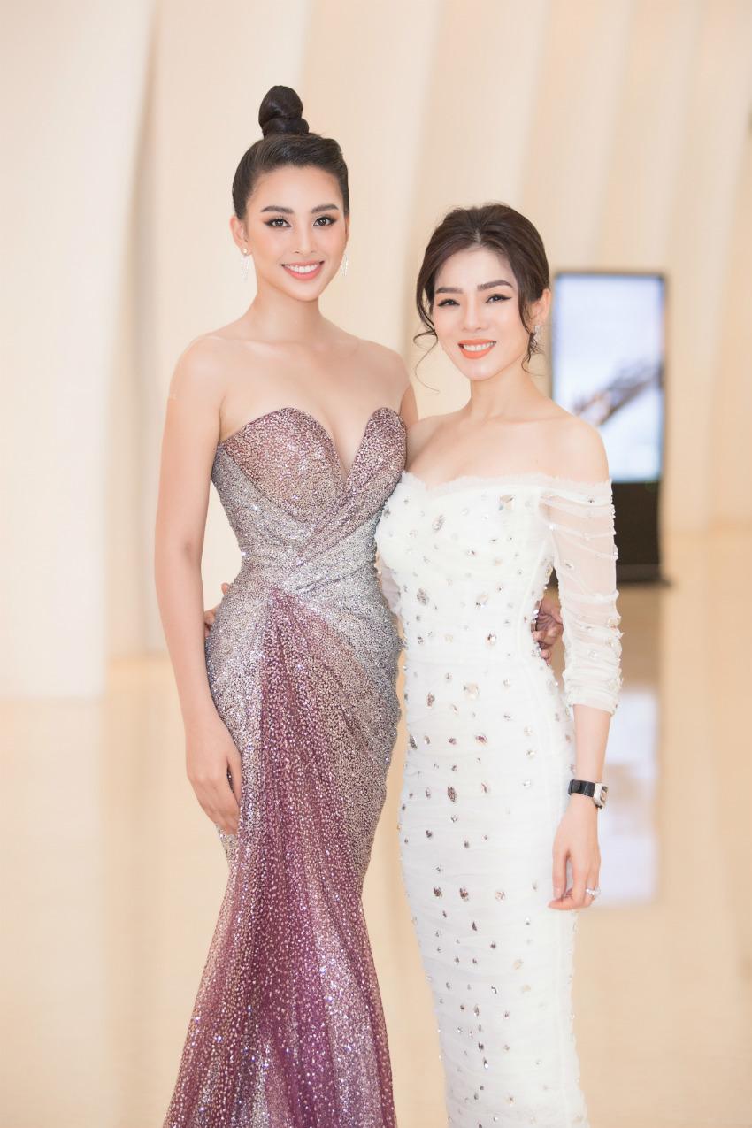 Tiểu Vy ngồi ghế giám khảo chấm Hoa hậu doanh nhân khi mới 19 tuổi-9