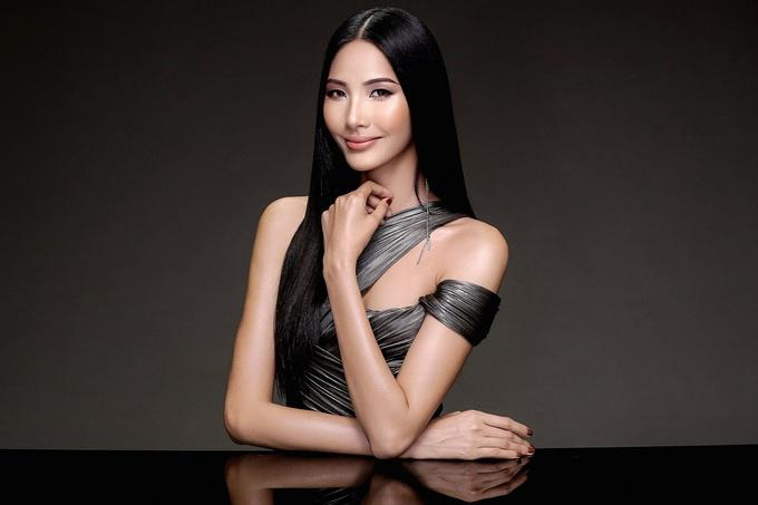 Là người kế nhiệm tại Miss Universe, Hoàng Thùy kế thừa luôn kiểu tóc tém thương hiệu của HHen Niê?-10